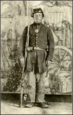 Picture of Pembroke Somerset Beckwith, Private in the 19th Michigan Infantry, Co. D